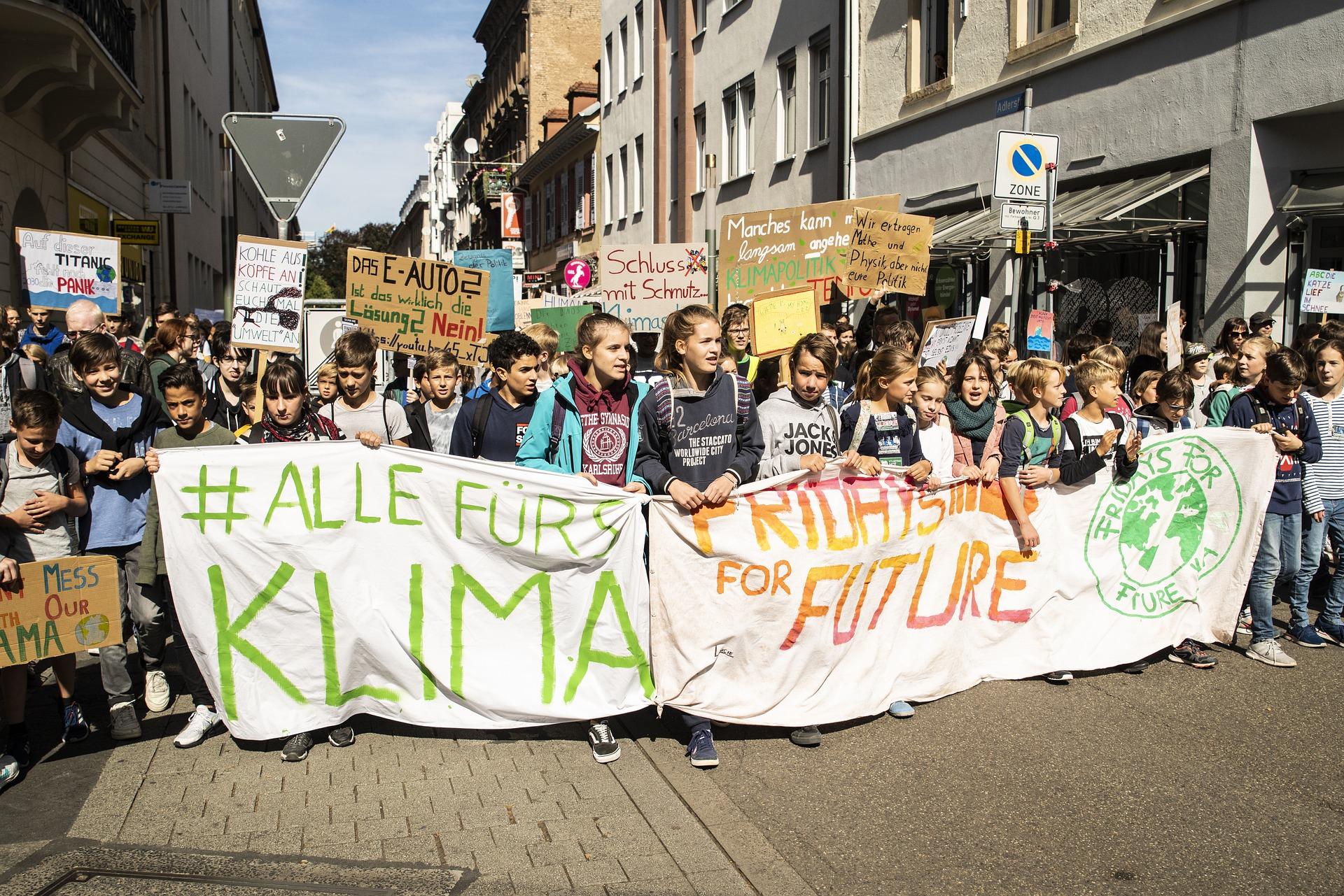 Millennials, Centennials y consumo verde